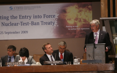 Lawrence Cannon speaks at CTBTO conference