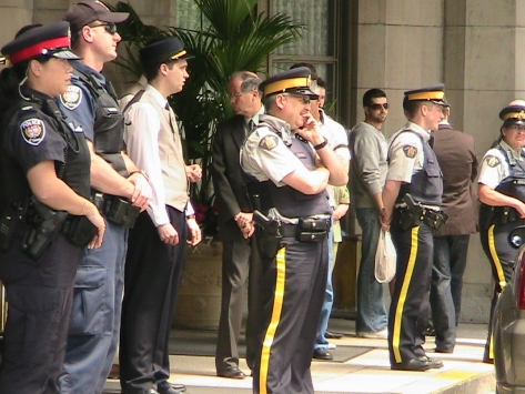Police outside Chateau Laurier.jpg
